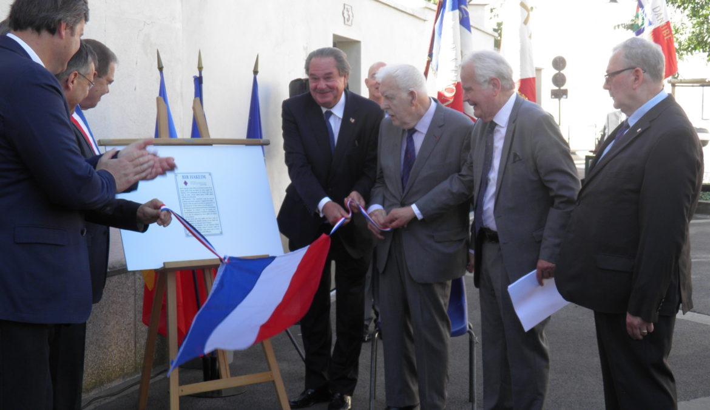 Dépôt de la plaque Bir Hakeim à Rueil-Malmaison